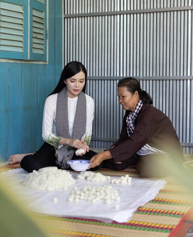 Hoa khôi Huỳnh Thúy Vi: 'Vị ngọt miền Tây' từ tình yêu quê hương  ảnh 9