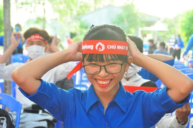 Hàng trăm bạn trẻ tham gia hiến máu tại trường ĐH Đồng Tháp ảnh 3