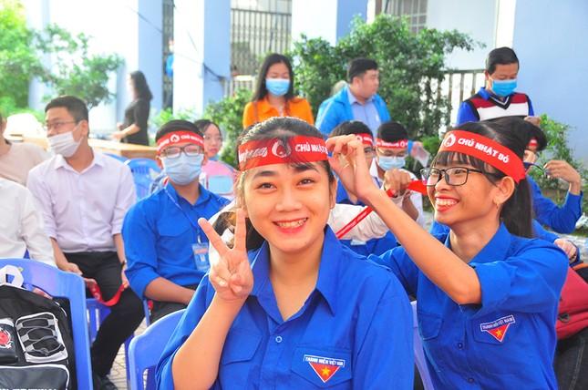 Hàng trăm bạn trẻ tham gia hiến máu tại trường ĐH Đồng Tháp ảnh 1