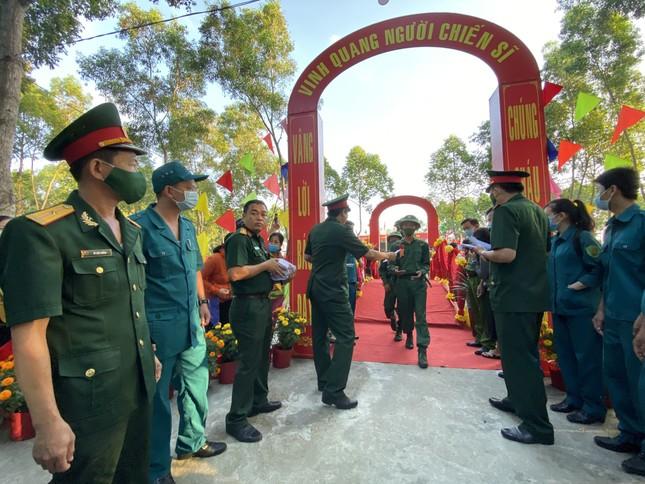 Gần 5.000 tân binh TPHCM, thanh niên ĐBSCL hăng hái lên đường bảo vệ Tổ quốc ảnh 31