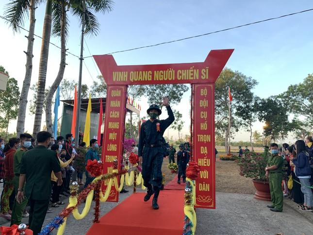 Gần 5.000 tân binh TPHCM, thanh niên ĐBSCL hăng hái lên đường bảo vệ Tổ quốc ảnh 29