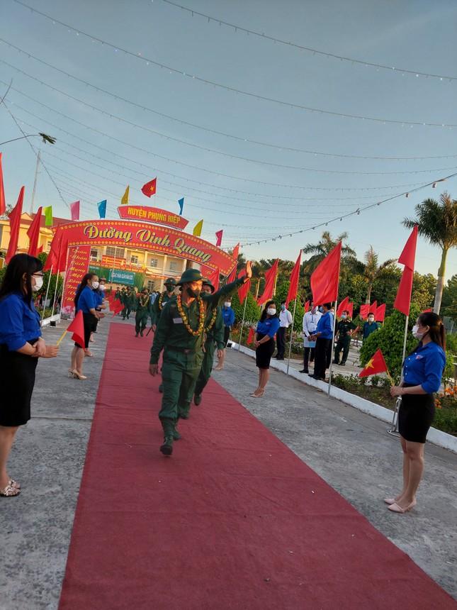 Gần 5.000 tân binh TPHCM, thanh niên ĐBSCL hăng hái lên đường bảo vệ Tổ quốc ảnh 36