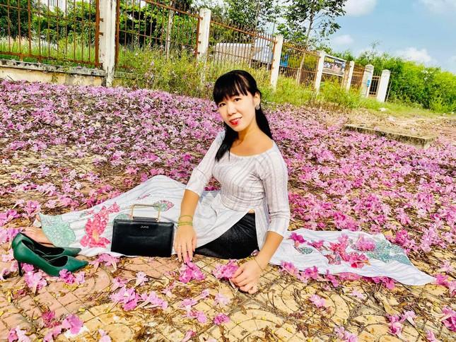 Con đường hoa kèn hồng ở miền Tây lung linh như phim Hàn thu hút giới trẻ ảnh 14