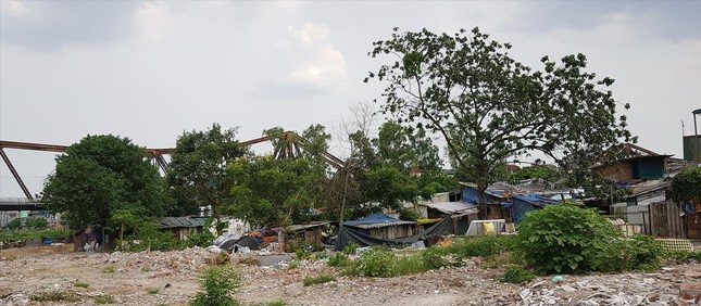 Lao xao phận ngụ cư ven sông Hồng: Chuyện ở xóm đồng nát, bốc vác ảnh 1
