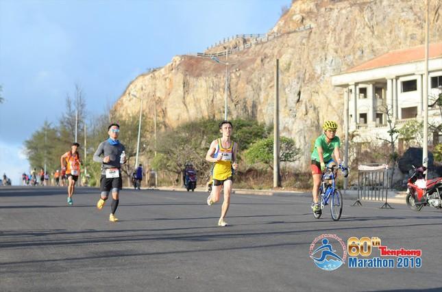 Đường đua 10km ở đảo Lý Sơn quy tụ nhiều nhà vô địch ảnh 1
