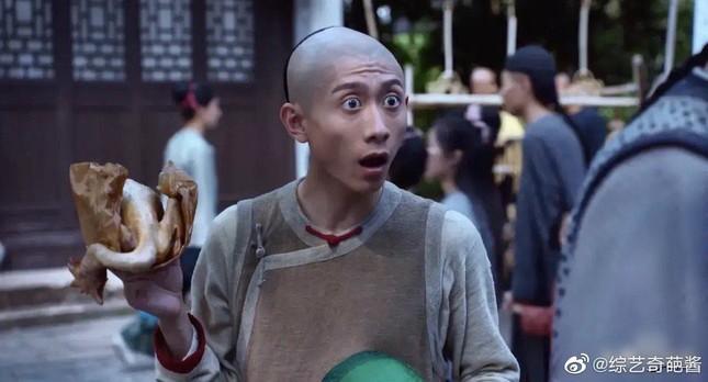 """""""Lộc Đỉnh Ký 2020"""": Vi Tiểu Bảo phiên bản Trương Nhất Sơn bị """"ném đá"""" dữ dội ảnh 2"""