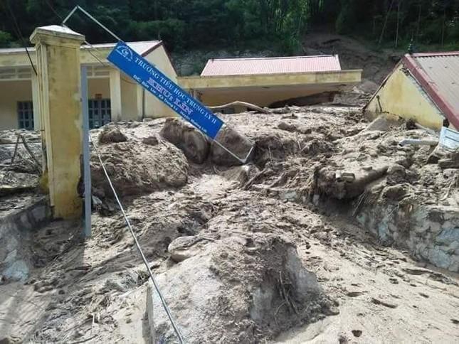 Hình ảnh mưa lũ tàn phá khủng khiếp ở Mường Lát ảnh 6