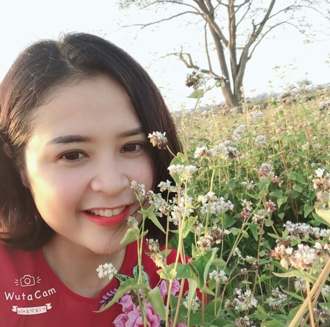 Rực rỡ cánh đồng hoa cải giữa lòng thành phố Thanh Hóa ảnh 5