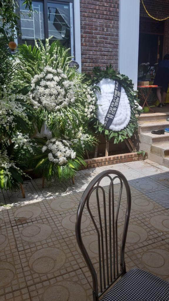 Những vòng hoa trắng và nỗi đau tận cùng ở tang lễ bé trai trường Gateway ảnh 2