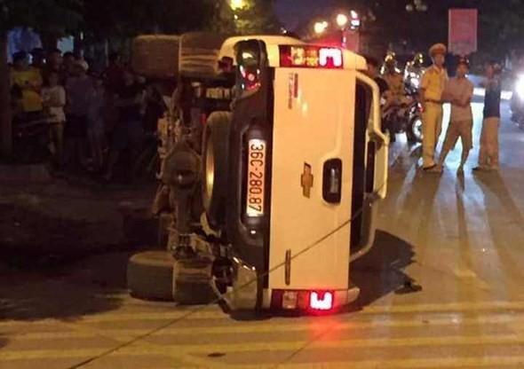 Hé lộ chủ nhân chiếc xe bán tải nghi cố ý đâm văng 2 người dừng đèn đỏ ảnh 1