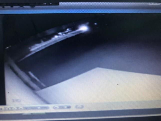 Xuất hiện clip nghi có người cố ý đốt hàng trăm gian hàng ở chợ Còng ảnh 1