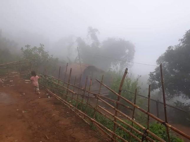Sương mù bao phủ Mường Lát khiến ngày cũng như đêm ảnh 1