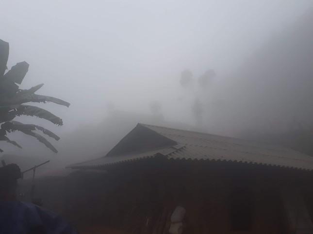 Sương mù bao phủ Mường Lát khiến ngày cũng như đêm ảnh 4