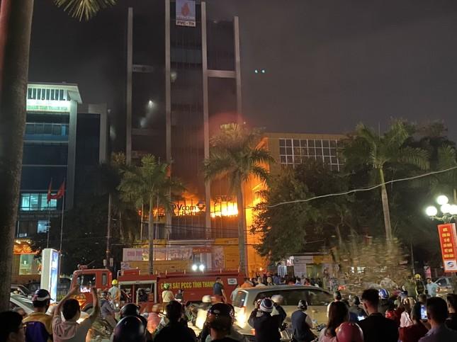 Vụ cháy tòa nhà ở Thanh Hóa, 15 người thương vong: Thêm nạn nhân tử vong ảnh 1
