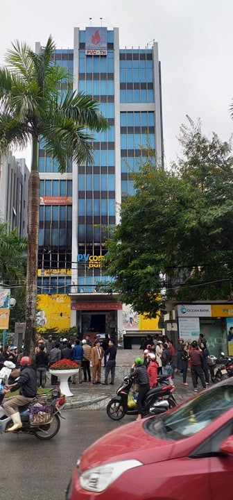 Phong tỏa toà nhà Dầu khí cháy, nhiều người chưa thể tiếp cận nơi làm việc ảnh 3