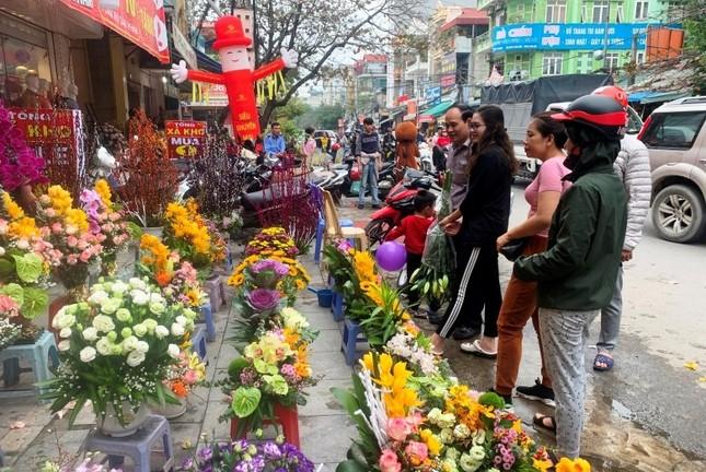 Hoa lạ, hoa giả được săn đón ở Thanh Hóa ảnh 2