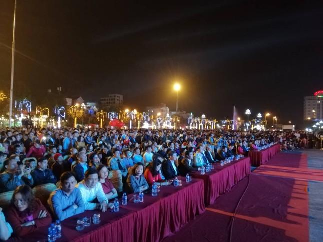 Ngược xuôi đêm giao thừa ở TP Thanh Hoá ảnh 1