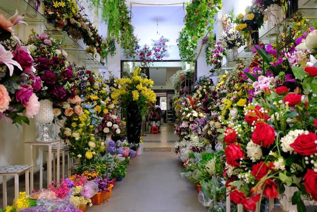 Hoa lạ, hoa giả được săn đón ở Thanh Hóa ảnh 1