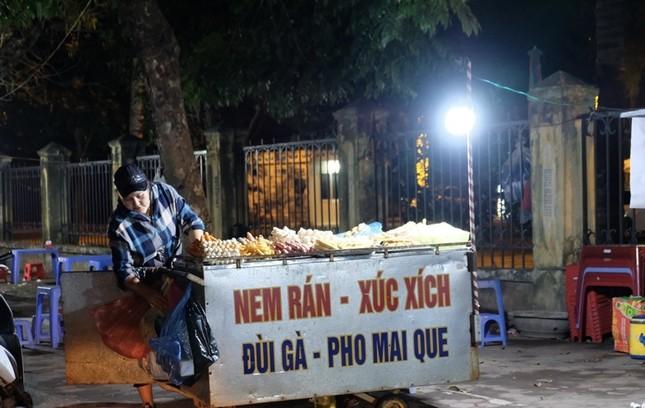 Ngược xuôi đêm giao thừa ở TP Thanh Hoá ảnh 7
