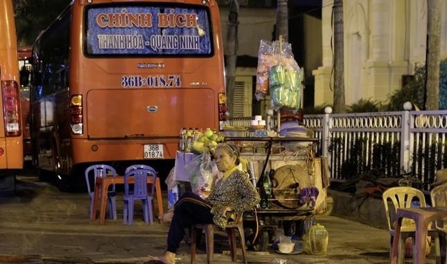 Ngược xuôi đêm giao thừa ở TP Thanh Hoá ảnh 4