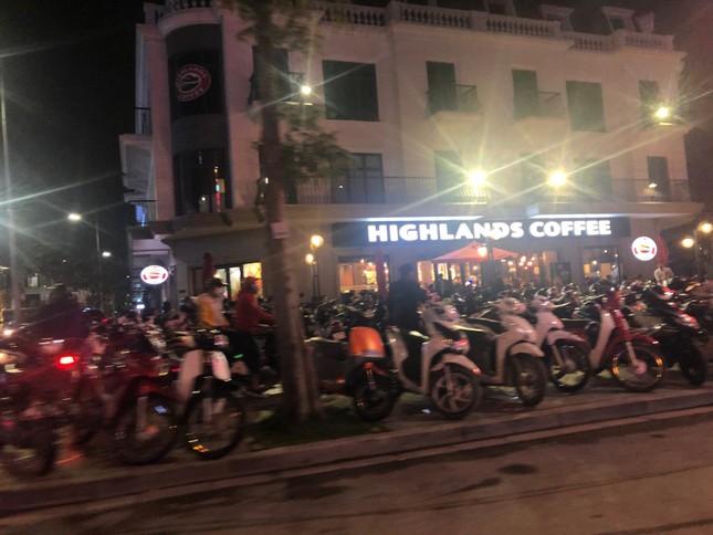 Ngược xuôi đêm giao thừa ở TP Thanh Hoá ảnh 8