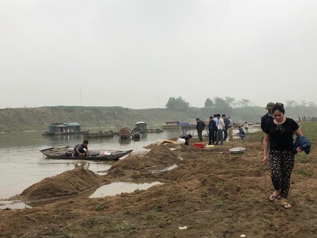 Cá lồng trên sông Chu chết bất thường ảnh 5