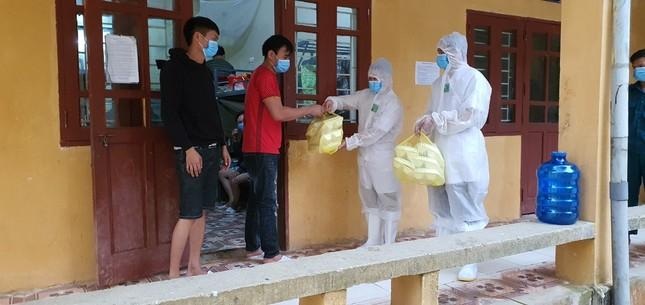 Cận cảnh bếp ăn phục vụ người Việt từ Lào về cách ly ở huyện Quan Sơn ảnh 10