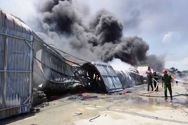 Thanh Hóa: Cháy lớn tại khu công nghiệp Tây Bắc Ga ảnh 4