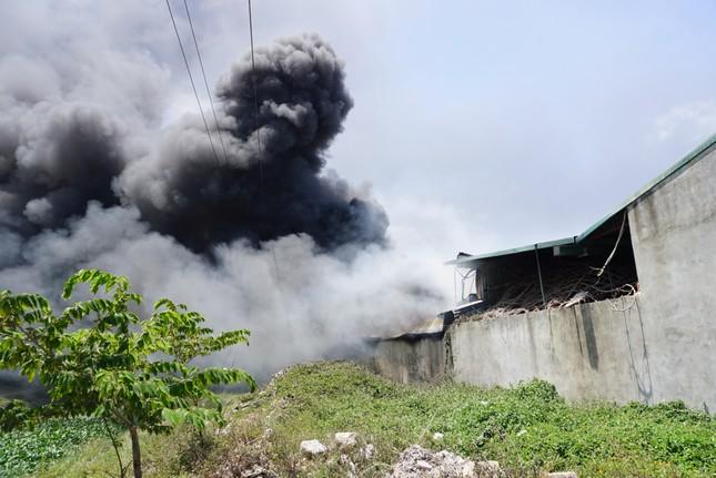 Thanh Hóa: Cháy lớn tại khu công nghiệp Tây Bắc Ga ảnh 3