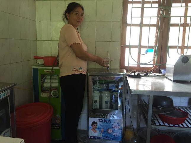 Hàng chục máy lọc nước sạch về với trẻ em vùng núi Thanh Hoá ảnh 3