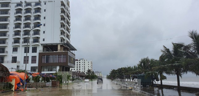 Thanh Hóa cấm biển, đóng cửa sân bay ứng phó với bão số 7 ảnh 4
