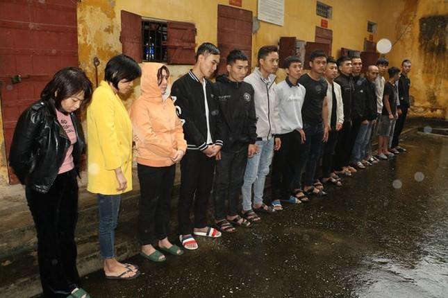 Ba cán bộ Trung tâm Giáo dục thường xuyên Thanh Hoá bị tạm giữ hình sự ảnh 2