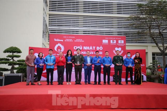 Gần 200 cán bộ, chiến sỹ công an tỉnh Thanh Hoá tham gia ngày hội Chủ nhật Đỏ ảnh 9