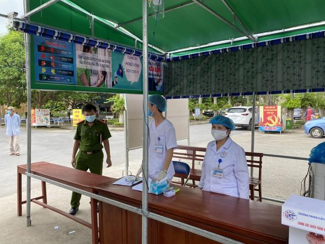 Truy vết được hơn 500 trường hợp F1, F2 tại 5 huyện ở Thanh Hoá ảnh 1