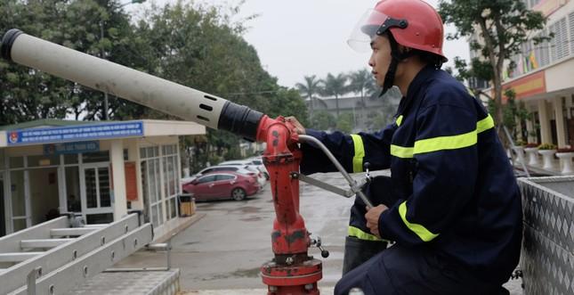 Chiến sĩ trẻ nhường bình dưỡng khí cứu người trong đám cháy ảnh 4