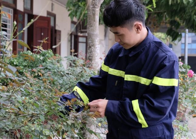 Chiến sĩ trẻ nhường bình dưỡng khí cứu người trong đám cháy ảnh 3