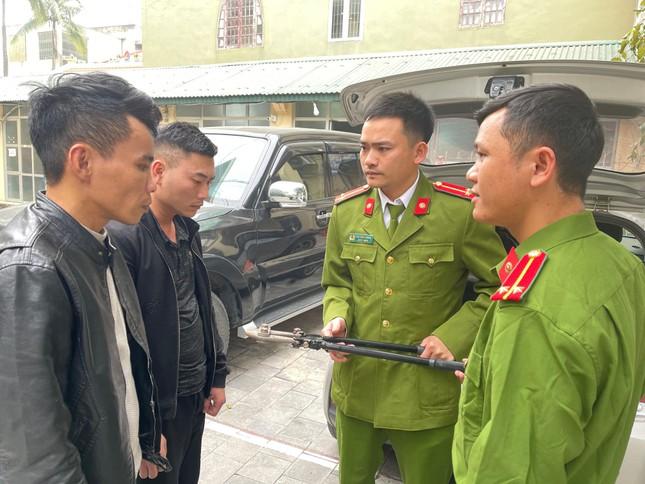 Hai kẻ bịt mặt đột nhập nhà vườn ở Thanh Hóa trộm lan đột biến tiền tỷ ảnh 3