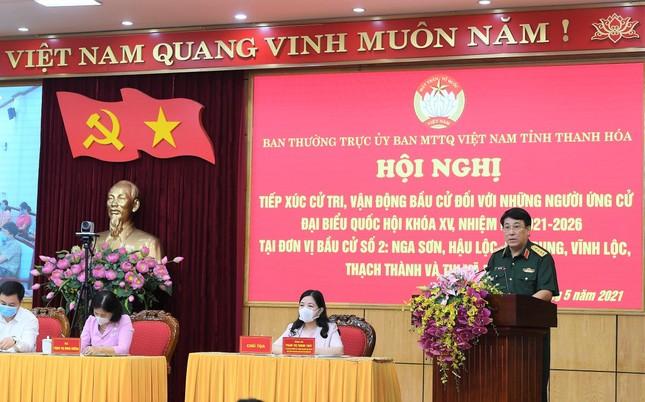 Đại tướng Lương Cường tiếp xúc cử tri, vận động bầu cử tại Thanh Hóa ảnh 1