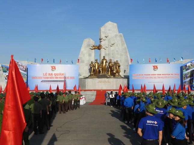 Trao 3.000 suất cơm đến bệnh nhân khó khăn tại Quảng Bình ảnh 1