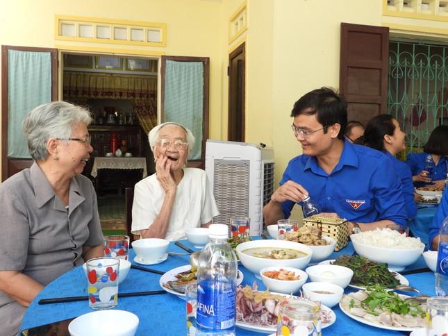 Trao 3.000 suất cơm đến bệnh nhân khó khăn tại Quảng Bình ảnh 5