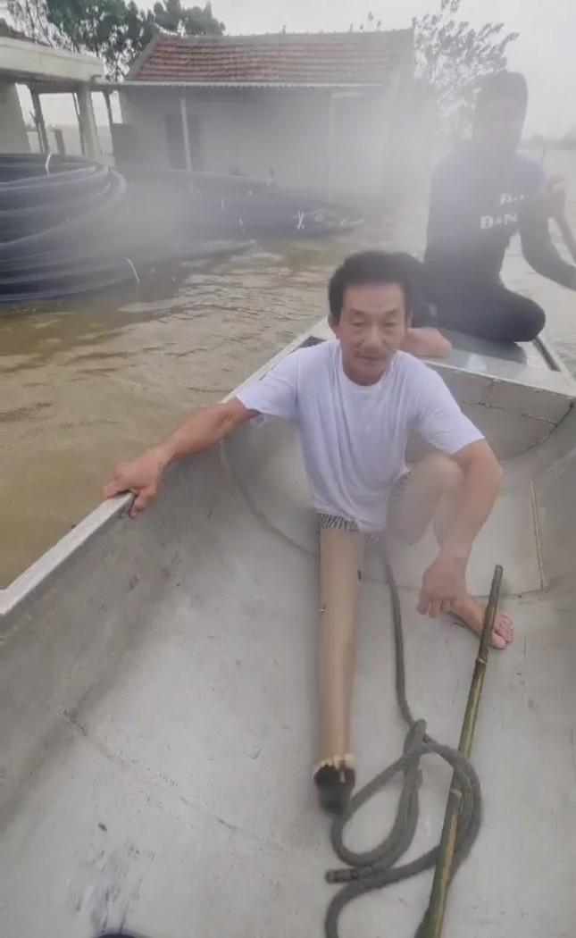 Đại hồng thuỷ nuốt chửng Quảng Bình trong đêm, khắp nơi người dân kêu cứu ảnh 5