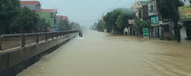 Mưa bão trắng trời Quảng Bình, nguy cơ ngập lụt trên diện rộng ảnh 5