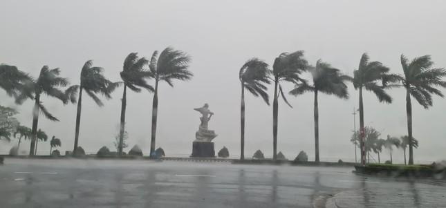Mưa bão trắng trời Quảng Bình, nguy cơ ngập lụt trên diện rộng ảnh 1