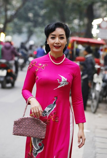 Nghệ sĩ Chiều Xuân khoe nhan sắc rạng rỡ trong tà áo dài ảnh 13