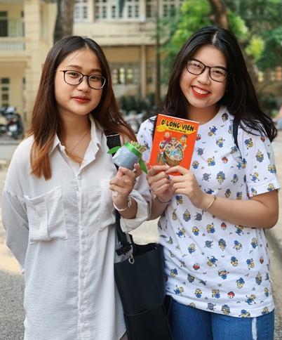 Sinh viên trường Báo tham gia 'Đổi nhựa – Lấy quà' ảnh 7