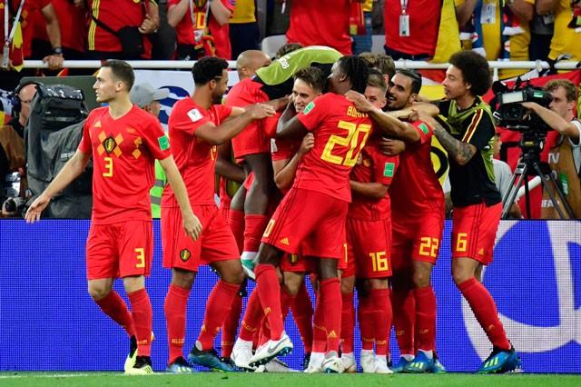 Tuyển thủ Bỉ suýt 'vỡ mặt' vì ăn mừng bàn thắng ảnh 9