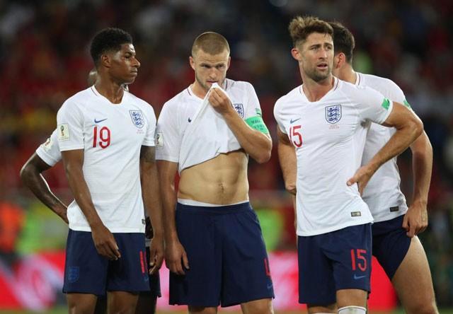 Tuyển thủ Bỉ suýt 'vỡ mặt' vì ăn mừng bàn thắng ảnh 10