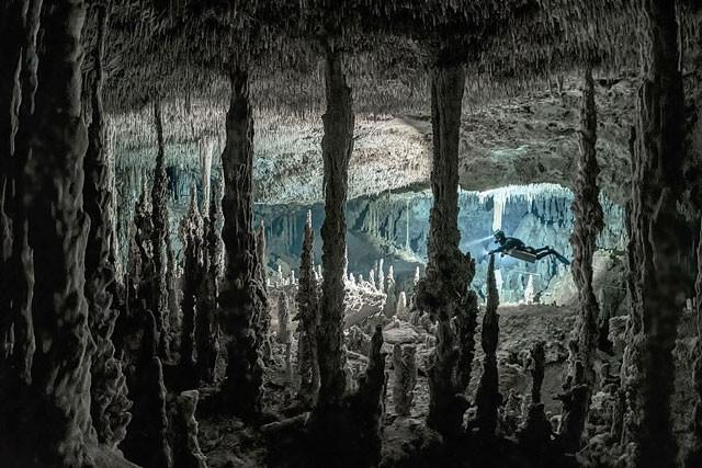 Mê mẩn với cảnh đẹp tuyệt trần của hang động dưới nước trong rừng rậm ảnh 7