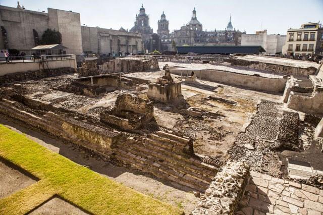 Bí ẩn về bức điêu khắc đại bàng trong ngôi đền ở Mexico ảnh 1