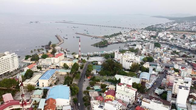 Tăng cường lực lượng, ngăn chặn người nhập cảnh trái phép vào Phú Quốc ảnh 2